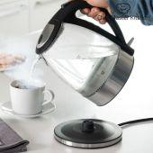 Elektrisk vannkoker fra Chef Master Kitchen som tar opp til 1,7 liter vann.